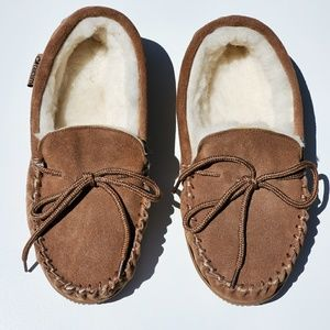 Like New. The Realm Moccasin. 2,A